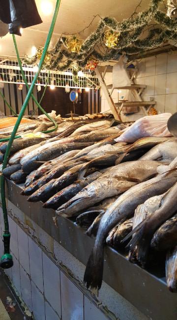 Mercado Central = the dead fish zone.