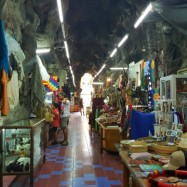 Local artisan store at the Fountain of Neptune.